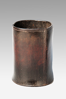 Leather-Pottle-Pot